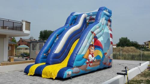 Marine Slide